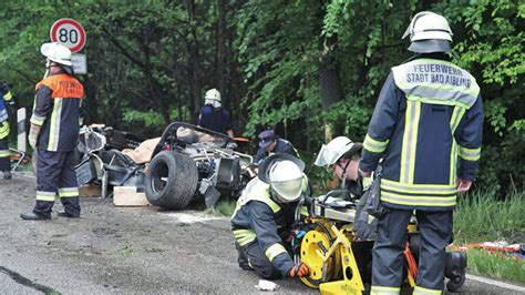 ford gt  replica crash  germany kills passenger