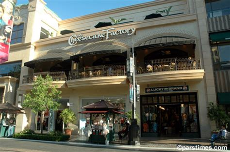 cheesecake factory hours cheesecake factory the grove hours