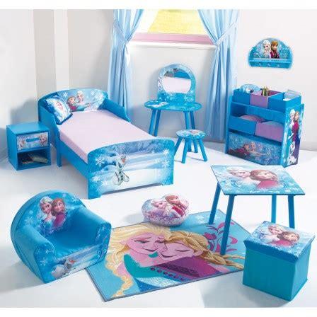 petit rien pour chambre d enfant reine des neiges frozen meubles chambre fille lit
