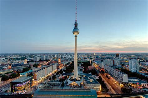 berlin ready  celebrate   wwii  reunification