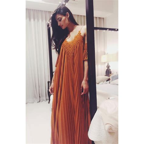 Dress Athiya 10 style lessons you can learn from athiya shetty