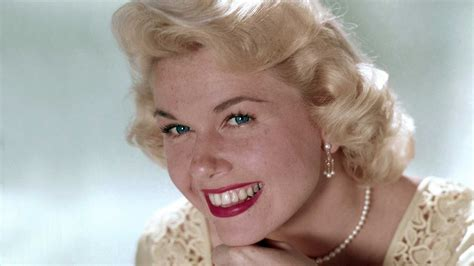 show me all hair styles of doris day guideposts classics doris day finds harmony in faith