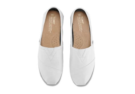toms optic white canvas s classics in white for lyst