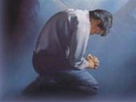 imagenes cristianas orando de rodillas personas orando de rodillas related keywords personas