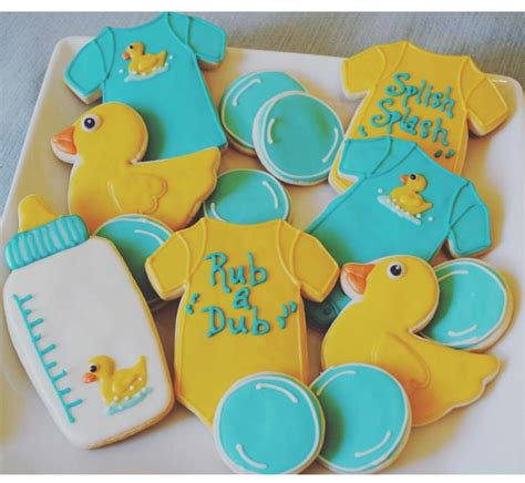 Rubber Ducks For Baby Shower by Best 25 Ducky Baby Showers Ideas On