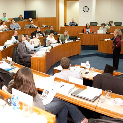 Of Oregon Mba Cost by Executive Mba Curriculum Lundquist College Of Business