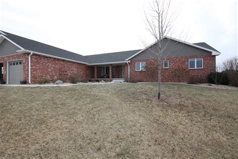 fabulous acreage in hickman ne near norris school dist