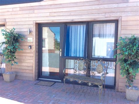 Cottages To Rent Near Bristol by Hotels Vacation Rentals Near Downend Bristol Trip101