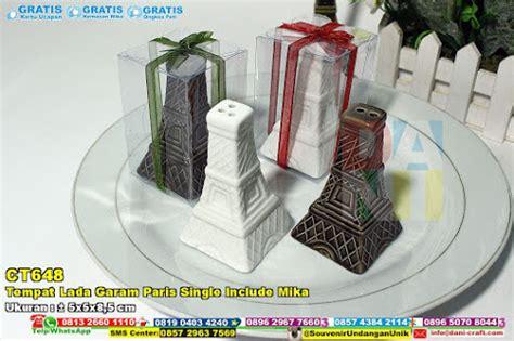 Souvenir Mr Dan Mrs Wedding Tempat Bumbu Wedding Gift Hpa056 tempat lada garam mr n mrs include box souvenir pernikahan