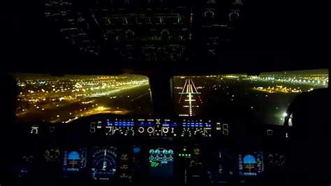 cabina di pilotaggio airbus a380 liveleak cockpit view dubai landing