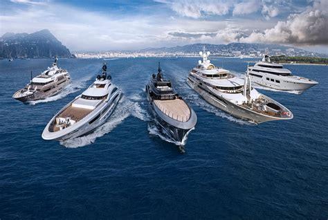 boat show 2017 dubai crn dubai international boat show 2017 yacht di lusso