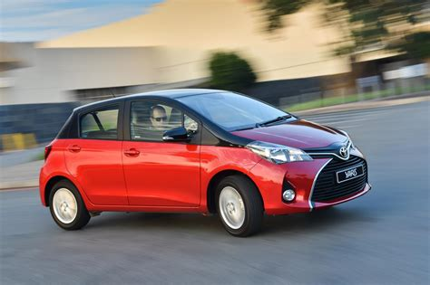 toyota company cars toyota adds 2 tone paint option to yaris line up cars co za