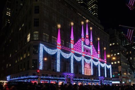 saks fifth avenue light show it s a new york city christmas