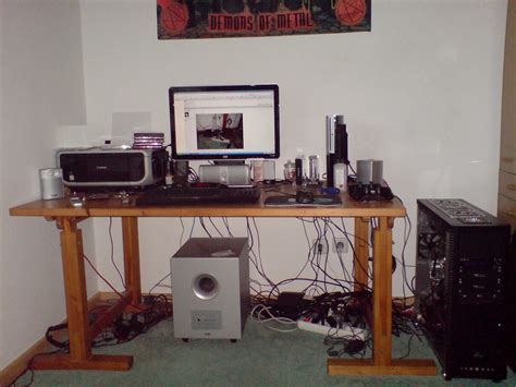 schreibtisch computer verstecken sammelthread externe kabel richtig ordnen verstecken