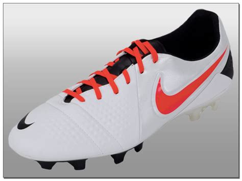 nike football shoes ctr360 nike ctr360 maestri iii fg soccer cleats white with