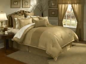 Lantana 4pc king comforter set gold
