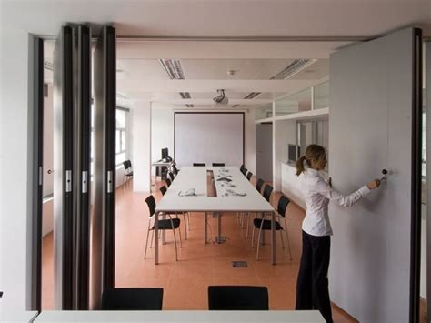 divisori scorrevoli per interni pareti scorrevoli pannelli divisori tipologie di