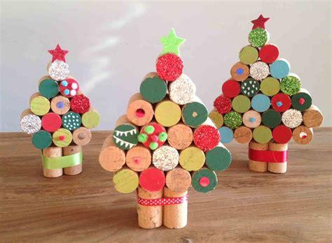 arbol navidad adornos 193 rbol con tapones de corcho manualidades para ni 241 os