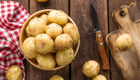 intossicazione alimentare cosa mangiare patate con germogli e intossicazione quando sono