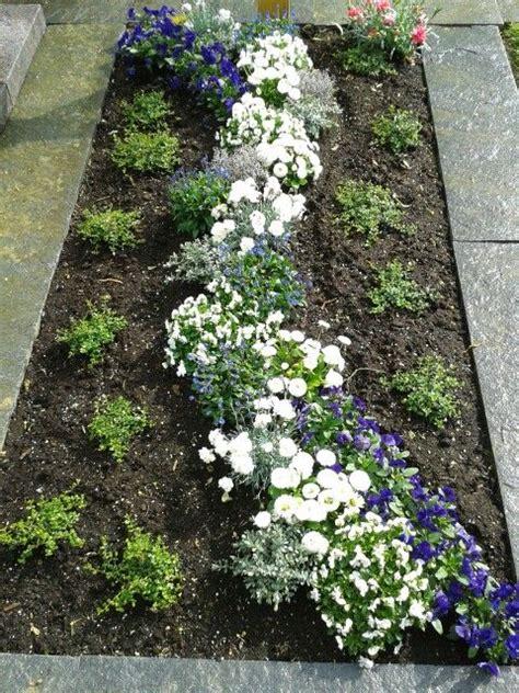 Garden Decoration Zemun by Grab Fr 252 Hjahr Eml 233 K Grief