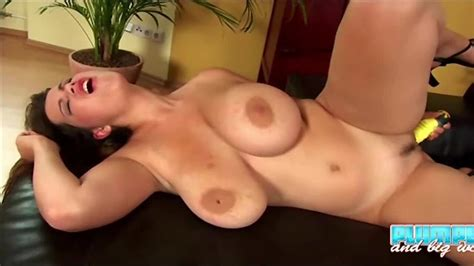 Plumpers And Bw Sensational Terry Nova Plays With Dildo
