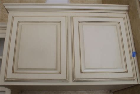 how to glaze white cabinets antique white kitchen cabinets with chocolate glaze hd
