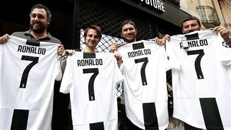 ronaldo juventus nike juventus turyn sprzedał 520 000 koszulek cristiano ronaldo w jeden dzień