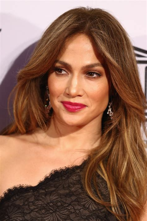 what lipstick and gloss does jennifer lopez wear jennifer lopez berry lipstick jennifer lopez makeup
