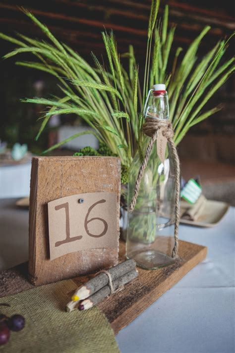 Diy Cabin Decor by Check Out This Awesome Eco Friendly Bohemian Cabin Wedding
