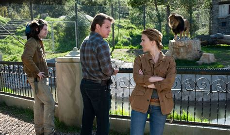 matt damon bought a zoo we bought a zoo review collider