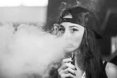 wallpaper girl vape huffing and puffing at the vape show slideshow photos