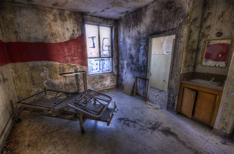 creepy living room creepy abandoned haunted hospital soon to house senior citizens 70 pics 5