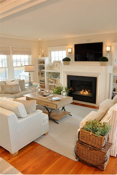 cottage with neutral coastal decor home