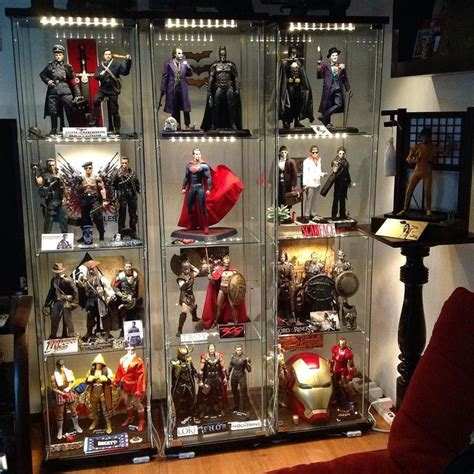 part scale collection hottoys