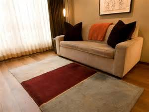 Wolldecke Sofa by 6 Great Ways To Use Throws In A Living Room Hgtv