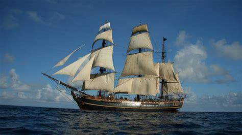 schip bounty pirates schip hms bounty gezonken throwing acorns