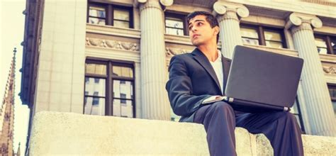 Executive Mba Vs Traditional by The Debate Traditional Learning Vs Distance Learning