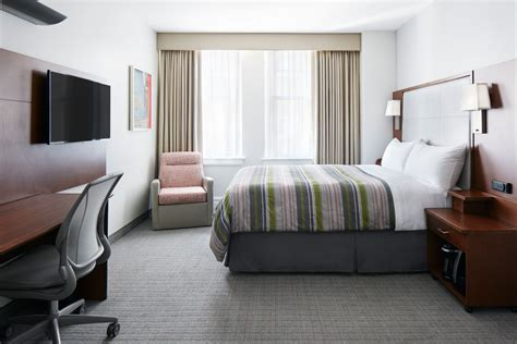 hotels with in room houston club quarters hotel in houston houston book day rooms hotelsbyday