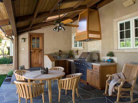 desain dapur diruang terbuka konsep dapur outdoor semi terbuka luar ruangan rumah 009