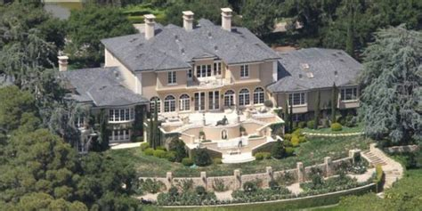 famous mansions 13 famous celebrity mansions that will make you jealous of