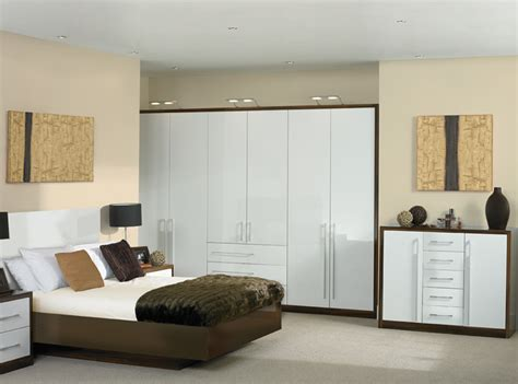 High Gloss Bedroom Furniture Cheap by Aztec White Bedroom Furniture Oropendolaperu Org