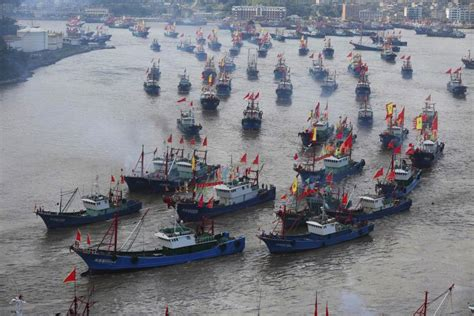 chinese fishing boats sink a korean coast guard vessel - China Japan Fishing Boat Incident