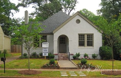 pretty houses house paint colors sherwin williams neutral ground sw7568 for the brick
