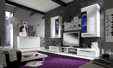 wohnzimmer bank möbel schlafzimmer design lila