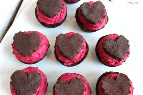vegan valentines chocolate chocolate brownie fudge cups
