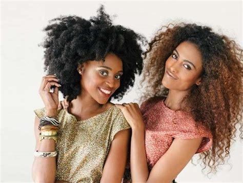 diversi tipi di permanente riccia tagli capelli ricci afro foto bellezza pourfemme