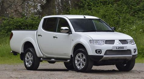 mitsubishi l200 2014 mitsubishi l200 barbarian 4x4 2014 review car magazine