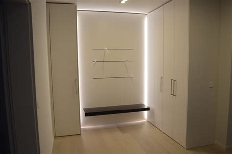 garderobe mit sitzbank modern garderobe mit sitzbank und beleuchtung modern k 246 ln