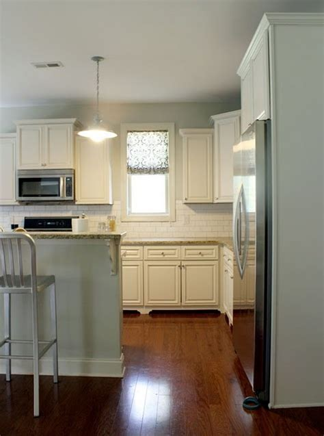 Trim Around Kitchen Cabinets Gorgeous Trim Added And These Cabinets Diy Ideas Pinterest White Cabinets