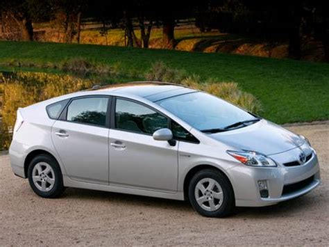 2011 toyota prius pricing ratings reviews kelley blue book